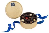 Луксузно златно пакување со 22 пралини - Dora gold 2